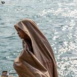 Femme au bord du Gange