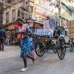 A Calcutta on n'hésite pas à charger le rickshaw, marchandises et personnes peuvent être véhiculés en même temps