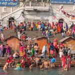 Haridwar est le point de passage obligé pour tous les fidèles et pélerins qui souhaitent se purifier