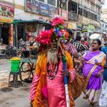 Les sādhu constitueraient 0,5 % de la population indienne, soit quatre à cinq millions de personnes