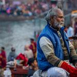 A Haridwar, La cérémonie Ganga Aarti se déroule dès la tombée du jour et célèbre le Gange sacré