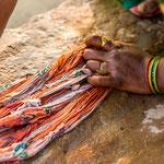 Les femmes indiennes ont toujours eu une tradition de porter des bijoux en fonction de leurs tenues vestimentaires ainsi que de leurs castes