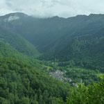 Ariège-Pyrénées, vallée de Vicdessos, Goulier - ue sur le village et le cirque de l'Endron