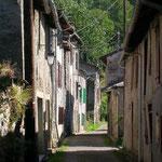 Ariège-Pyrénées, allée de Vicdessos, Goulier - rue du village