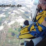 Fallschirmsprung Kind