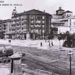 c. 1912 Avenida de Alfonso XIII desde el sureste. En primer plano, Muelle y Jardines de Pereda; en el centro, de izquierda a derecha, Plaza de Bolívar y comienzo de Méndez Núñez, Hotel Europa y Salón Pradera