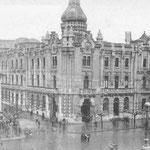1925 Plaza de Pi y Margall desde el sur. En el centro, el Ayuntamiento; a su derecha, iglesia de San Francisco