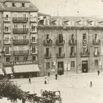 1895 Comienzo de la Ribera junto al Paseo Pereda, visto desde la Plaza de Velarde. A la derecha, edificio de la Aduana