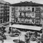 1904 Plaza de Pi y Margall desde el este. El edificio del centro de la imagen es el que se derribó en los años 30
