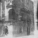 c. 1918 Palacio de Villatorre, en la esquina de la Plaza Vieja (en primer plano) y Santa Clara (a la derecha)