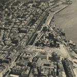 c. 1935 Vista aérea del centro de Santander desde el oeste. Casi todo lo que aparece en la mitad inferior de la imagen desapareció en 1941