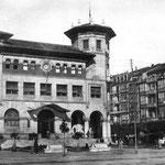 1926 Correos desde Alfonso XIII. A la derecha, casas de La Ribera