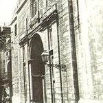 c. 1918 Iglesia de la Compañía. Al fondo se aprecia el Palacio de Villatorre, ya en la Plaza Vieja