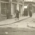 1936 Puerta de la Sierra desde Atarazanas. Aún no se han derribado las manzanas que separan a ésta de las calles de Colón y de Juan de Herrera