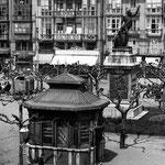 1912 Plaza Velarde desde el sur. Al fondo, La Ribera