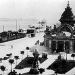 ¿Año? Estación de la Costa. El Monumento del Machichaco se ha trasladado al frente de la Estación