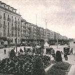 1934 Paseo Pereda desde Correos. A la izquierda, edificio de la Aduana