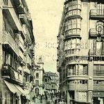 ¿1885 o 1905? Entrada a la Plaza Vieja desde el Puente. Al fondo, antiguo Ayuntamiento y Palacio de Villatorre