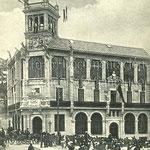 1907 Inauguración de la nueva sede del Monte de Piedad de Alfonso XIII y Caja de Ahorros de Santander (ahora Caja Cantabria), diseñada por Domènech i Montaner