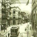 1914 Plaza Vieja desde el sur. Al fondo, antiguo Ayuntamiento y Palacio de Villatorre