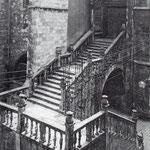 """1920 Acceso a la Catedral desde la Calle del Puente por la """"Escalera de los Mártires"""""""