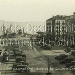 1933 Avenida de Alfonso XIII desde la Aduana. A la derecha, Banco de España y Hotel Europa