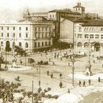 ¿Año? Avenida de Alfonso XIII desde el comienzo del Paseo Pereda. En el centro, de izquierda a derecha, comienzo de la Calle Cádiz, Banco de España y Correos; detrás, la Catedral (obsérvese la antigua cabecera) y, a su izquierda, el Palacio Episcopal