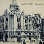 1918 Ayuntamiento. A su derecha, iglesia de San Francisco