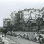 """1936 Atarazanas desde la Calle Colón, con la manzana que separaba a ambas recién derribada. A la derecha, """"Mercado de Atarazanas"""""""