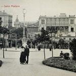 ¿Año? Avenida de Alfonso XIII desde los Jardines de Pereda. A la izquierda, Hotel Europa; a la derecha, Salón Pradera; detrás, el Palacio Episcopal