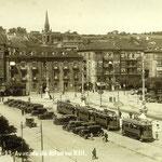 1930 Avenida de Alfonso XIII desde el sur. El edificio más bajo del centro de la imagen es la Aduana; a su izquierda, primeras casas de La Ribera