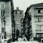 c. 1907 Calle del Puente desde el puente. Al fondo, la Catedral