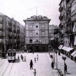 ¿Año? Comienzo de Atarazanas (izquierda) y de Colón (derecha) desde el puente. A la izquierda, el Mercado de Atarazanas