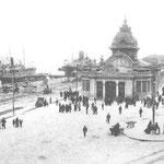 1913-1914 Estación de la Costa. Obsérvese que se le ha añadido un vestíbulo al frente