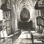 1925 Nave central de la Catedral. Toda la decoración interior desapareció en 1941