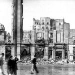 1941 Ruinas de Calderón de la Barca desde el sur. Detrás se ven las ruinas del Palacio Episcopal