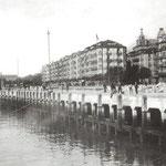 ¿Año? Calderón de la Barca desde el sureste. A la izquierda, Estación de la Costa; a la derecha, Plaza de Bolívar, con el comienzo de Méndez Núñez, y el Hotel Europa a su derecha; detrás, el Palacio Episcopal