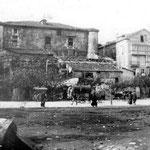 """1887 Avenida de Alfonso XIII desde el este (""""La Dársena"""" ya ha sido rellenada, pero aún no se han construido los Jardines de Pereda). Al frente, Castillo de San Felipe"""