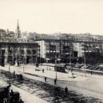 ¿Año?Avenida de Alfonso XIII desde el sur. El edificio más bajo del centro de la imagen es la Aduana; a su izquierda, primeras casas de La Ribera