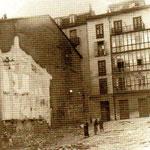 1936 Ya han sido derribadas las casas que separaban la Plaza de Remedios de Francisco de Quevedo. A la izquierda, comienzo de Puerta de la Sierra. Las casas del fondo aún existen