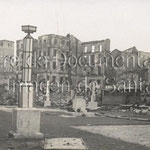 1941 Atarazanas en ruinas vista desde el oeste. Se ven los restos de la Puebla Vieja y la Catedral al fondo