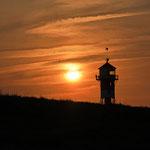 Sonnenuntergang am Elbdeich - Foto: Borg Enders