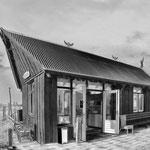 Eigenwillig gestalteter Kiosk auf Texel, Holland.