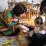 お子さま連れの方にも色彩関連の教室は人気です。