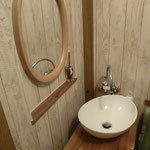 トイレもオーナーの手作りです! DIY最高!