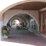 arcades de Castillonnès- place centrale