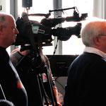 Christian Wehrschütz mit ORF-Kamerateam