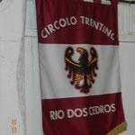 il gonfalone del circolo di Rio Dos Cedro