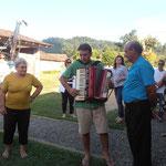 Papà e figlio che ci cantano canzoni in Italiano/Trentino