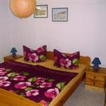 Fewo 1: Schlafzimmer mit Doppelbett
